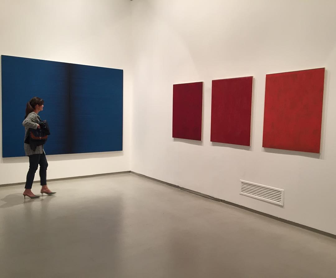 """""""In quella sala tra Irma Blank e Maria Morganti è un po' come se venisse ad implodere la contrapposizione tra la storia dell'azzurro e quella del rosso, tra il tempo divino e quello umano"""""""