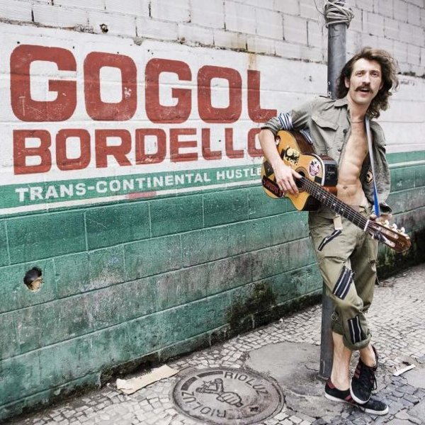 I Gogol Bordello in concerto al Flowers Festival