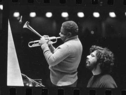 Pianista, tastierista, compositore, Chick Corea è uno dei giganti mondiali del jazz (nella foto in concerto con Dizzy Gillespie)